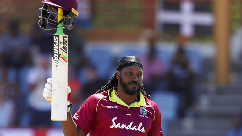 Chris_Gayle_hints_something_is_wrong